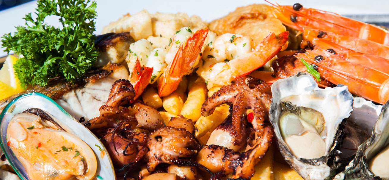 hot-and-cold-seafood-platter-for-two